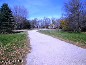 201 14TH AVENUE NW, Watertown, SD 57201