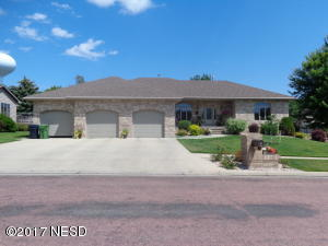 1006 17TH STREET NE, Watertown, SD 57201