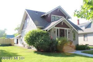 209 1ST STREET SW, Watertown, SD 57201