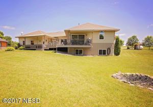 20005 OAK HILL DRIVE, Lake Hendricks, SD 56136