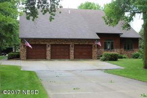 4000 GOLF COURSE ROAD, Watertown, SD 57201
