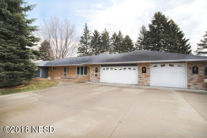1130 SKYLINE DRIVE, Watertown, SD 57201