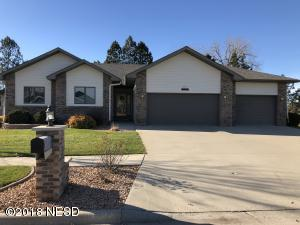 1107 37TH STREET NW, Watertown, SD 57201