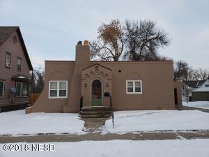 414 1ST STREET NW, Watertown, SD 57201