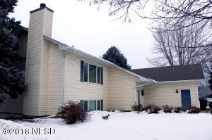 1205 11TH AVENUE NE, Watertown, SD 57201