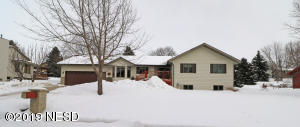 1218 6TH STREET NW, Watertown, SD 57201