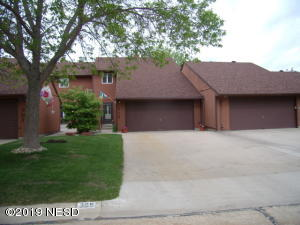 305 SUMMERWOOD DRIVE, Watertown, SD 57201