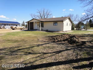 408 4TH AVENUE N, Castlewood, SD 57223