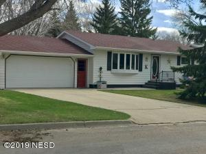1334 N BROADWAY STREET, Watertown, SD 57201