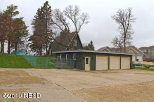 824 HIDDEN VALLEY DRIVE, Watertown, SD 57201