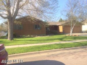 1711 GRANDVIEW DRIVE, Watertown, SD 57201