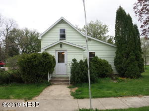 602 2nd Ave., S., Clear Lake, SD