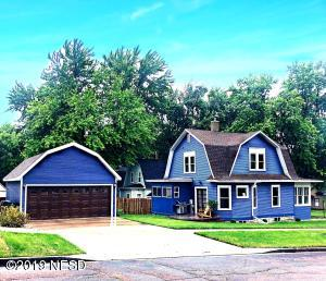 424 3RD STREET NW, Watertown, SD 57201
