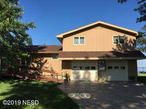 818 NORTH LAKE DRIVE, Watertown, SD 57201