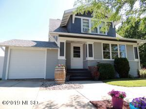 24 4TH AVENUE SW, Watertown, SD 57201