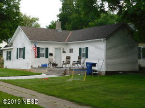 703 N BROADWAY STREET, Watertown, SD 57201