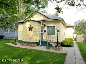 318 S MAPLE STREET, Watertown, SD 57201