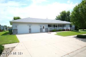 1006 18TH STREET NE, Watertown, SD 57201