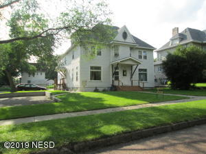 319 1ST STREET NW, Watertown, SD 57201