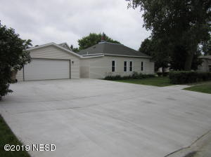 Brand new large cement driveway for parking!