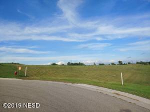 330 PRAIRIE HILLS CIRCLE, Watertown, SD 57201