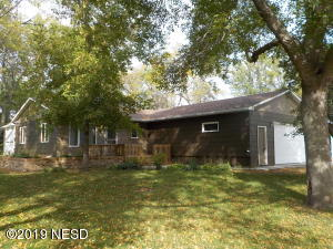 313 17TH STREET NE, Watertown, SD 57201