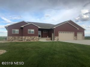 Beautiful, fully finished home in Boulder Ridge Estates.