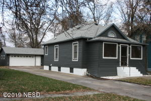 221 5th AVENUE SW, Watertown, SD 57201