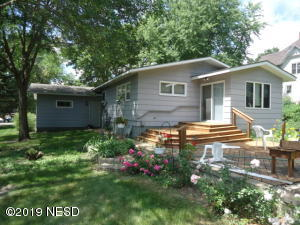 318 1ST STREET NW, Watertown, SD 57201