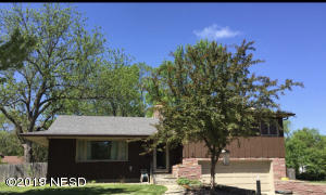 1027 2ND STREET NW, Watertown, SD 57201