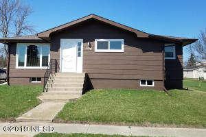 209 15TH STREET NW, Watertown, SD 57201