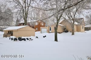922 4TH STREET NE, Watertown, SD 57201