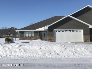 1009 36TH STREET NW, Watertown, SD 57201