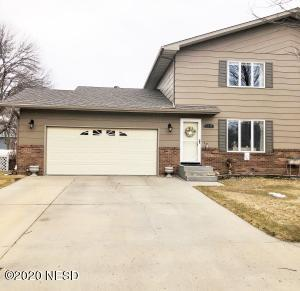 1714 2ND AVENUE SE, Watertown, SD 57201