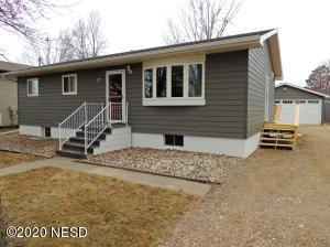 17 20TH STREET SW, Watertown, SD 57201