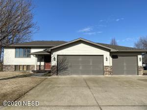 303 28TH STREET NW, Watertown, SD 57201