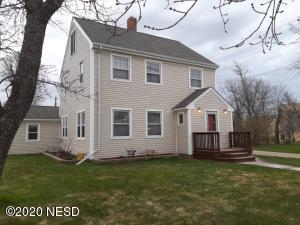 12 W 8TH AVENUE, Webster, SD 57274