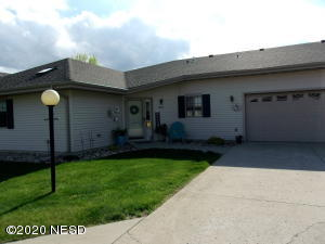 1924 2ND AVENUE SE, Watertown, SD 57201