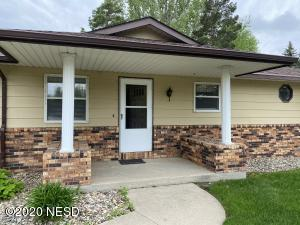 1104 N RIVER VIEW COURT, Watertown, SD 57201