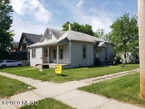 325 2ND STREET NW, Watertown, SD 57201