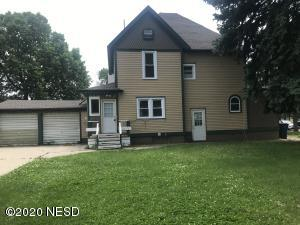 204 8TH STREET SE, Watertown, SD 57201
