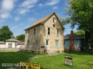 403 2ND STREET NE, Watertown, SD 57201