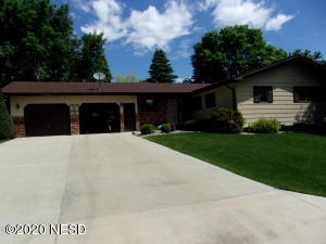 1405 7TH AVENUE NE, Watertown, SD 57201