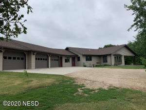 300 LAKEVIEW DRIVE, Milbank, SD 57252