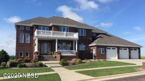 2355 GRANT DRIVE NW, Watertown, SD 57201
