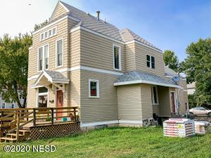 303 5TH AVENUE SE, Aberdeen, SD 57401