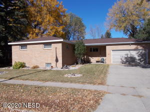 711 3RD AVENUE NE, Watertown, SD 57201