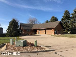76 PARADISE DRIVE, Watertown, SD 57201