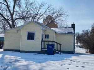 710 4TH AVENUE SE, Watertown, SD 57201