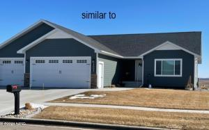 1620 GRANT DRIVE, Watertown, SD 57201